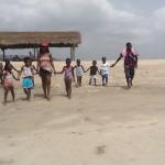 kids-heading-for-beach-2-150x150